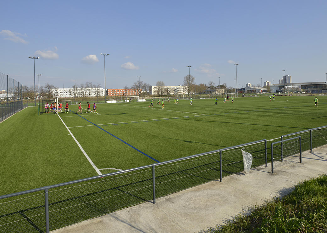 Terrain de foot, plaine des sports Monadey